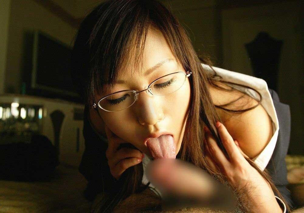 ディープスロートフェラちゅぱ音イラマチオエロ画像5枚目