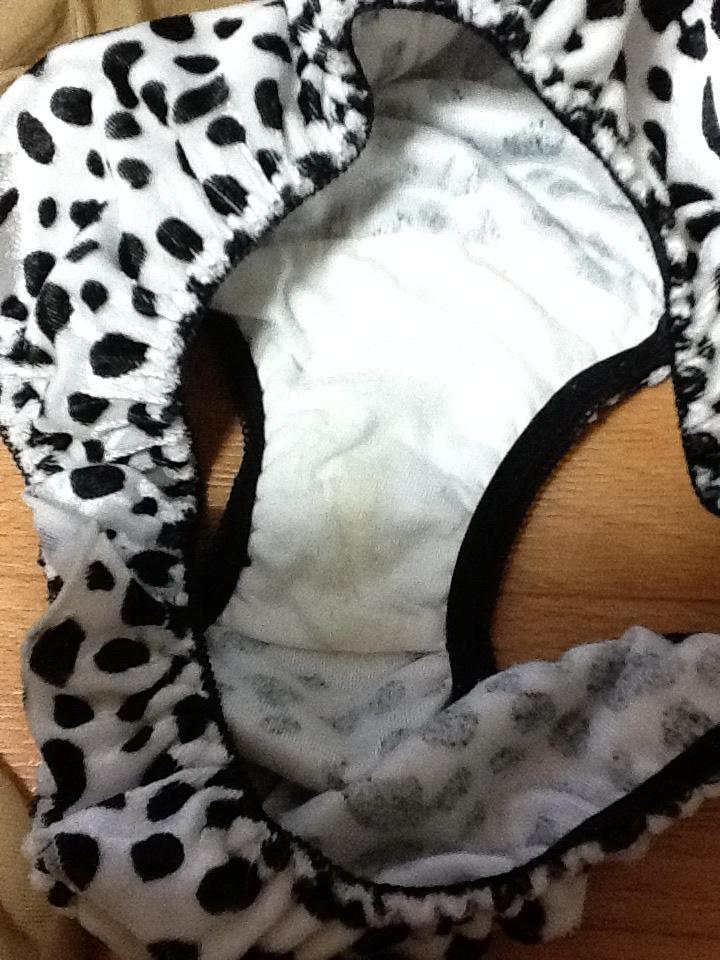 姉妹オナニーシミ付き下着洗濯前盗撮エロ画像10枚目