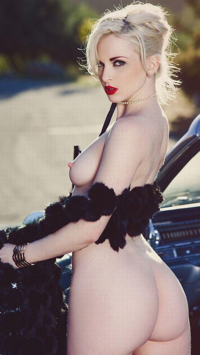 セクシー爆乳貧乳金髪ブロンド外国人エロ画像2枚目