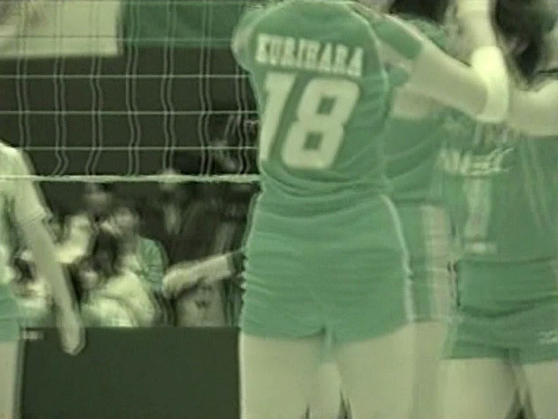 スポーツ女子のおま○こやマン毛丸見えの赤外線盗撮エロ画像3枚目