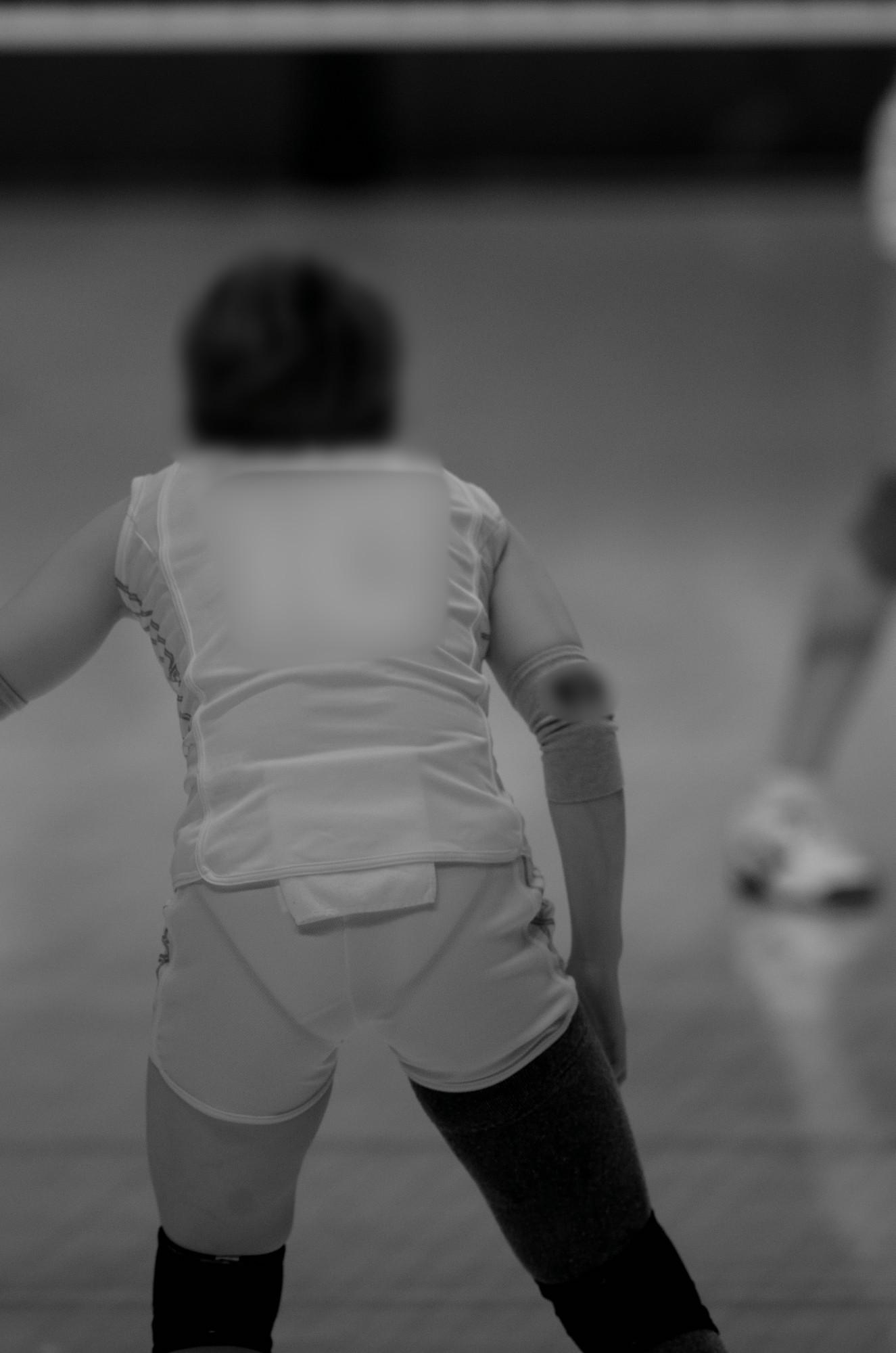 スポーツ女子のおま○こやマン毛丸見えの赤外線盗撮エロ画像14枚目