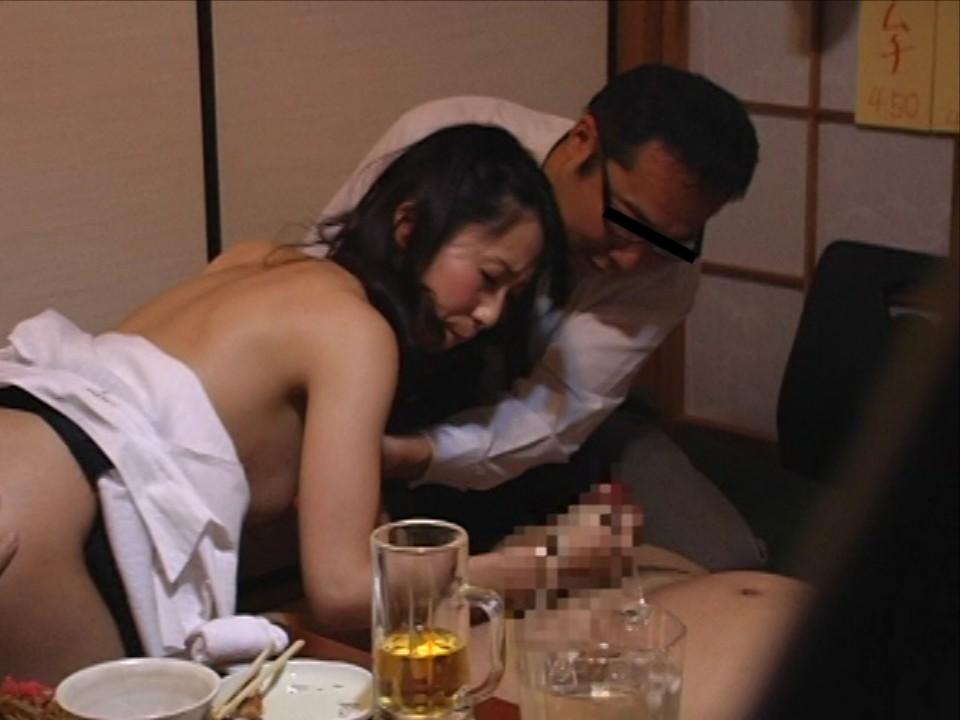 宴会泥酔ピンクコンパニオン陵辱盗撮エロ写メ画像11枚目