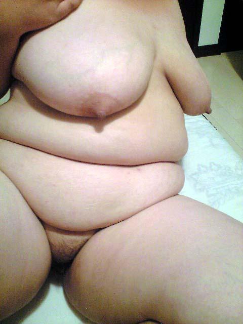 デブ腹ぽっちゃり素人熟女ハメ撮りエロ写メ画像7枚目