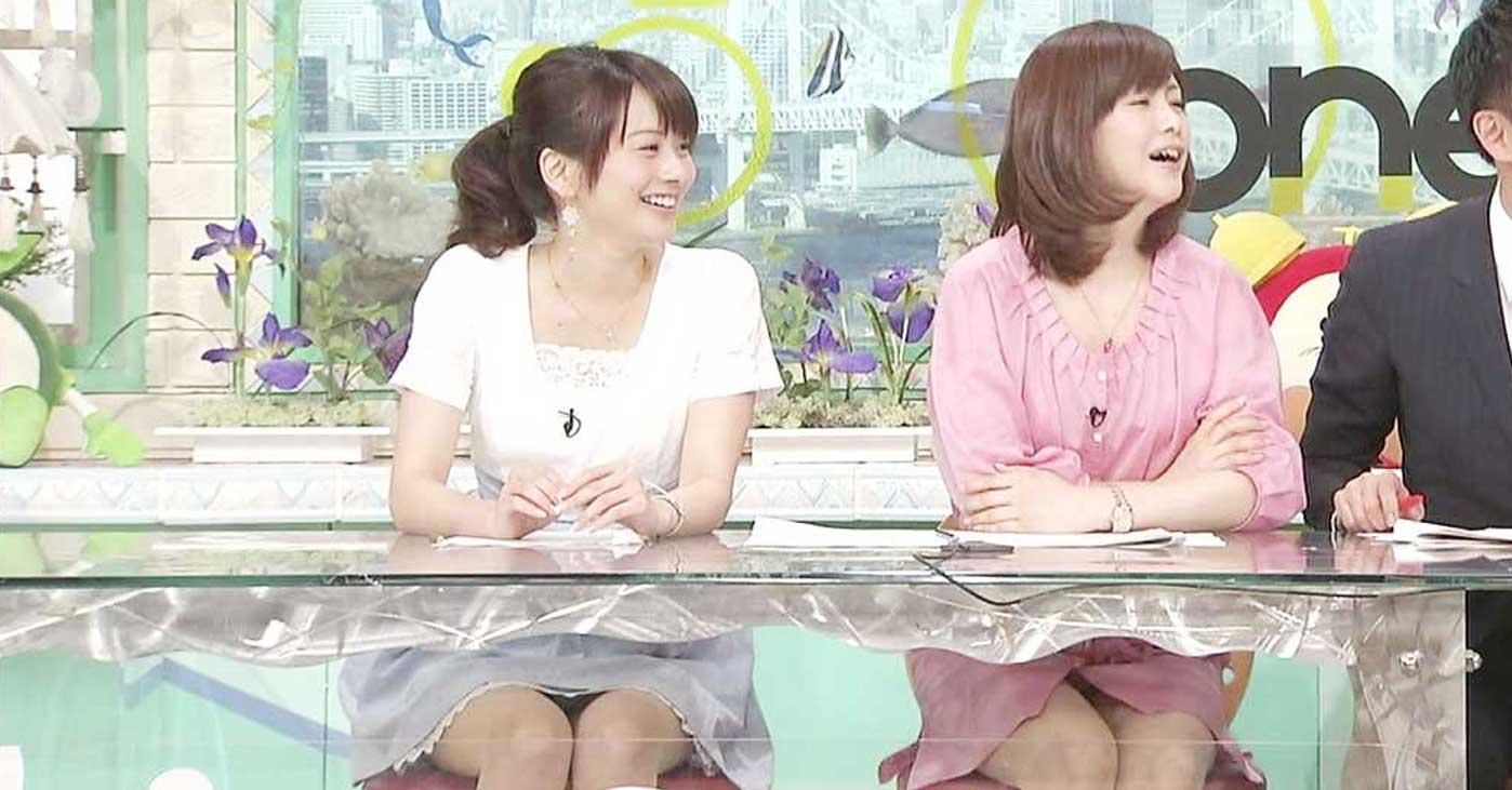 アイドル達の三角パンチラ連発ハプニングのお宝流出エロ画像16枚目
