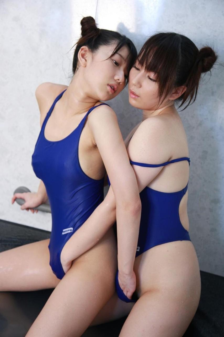 双頭ディルド百合潮吹きレズクンニアクメエロ画像13枚目