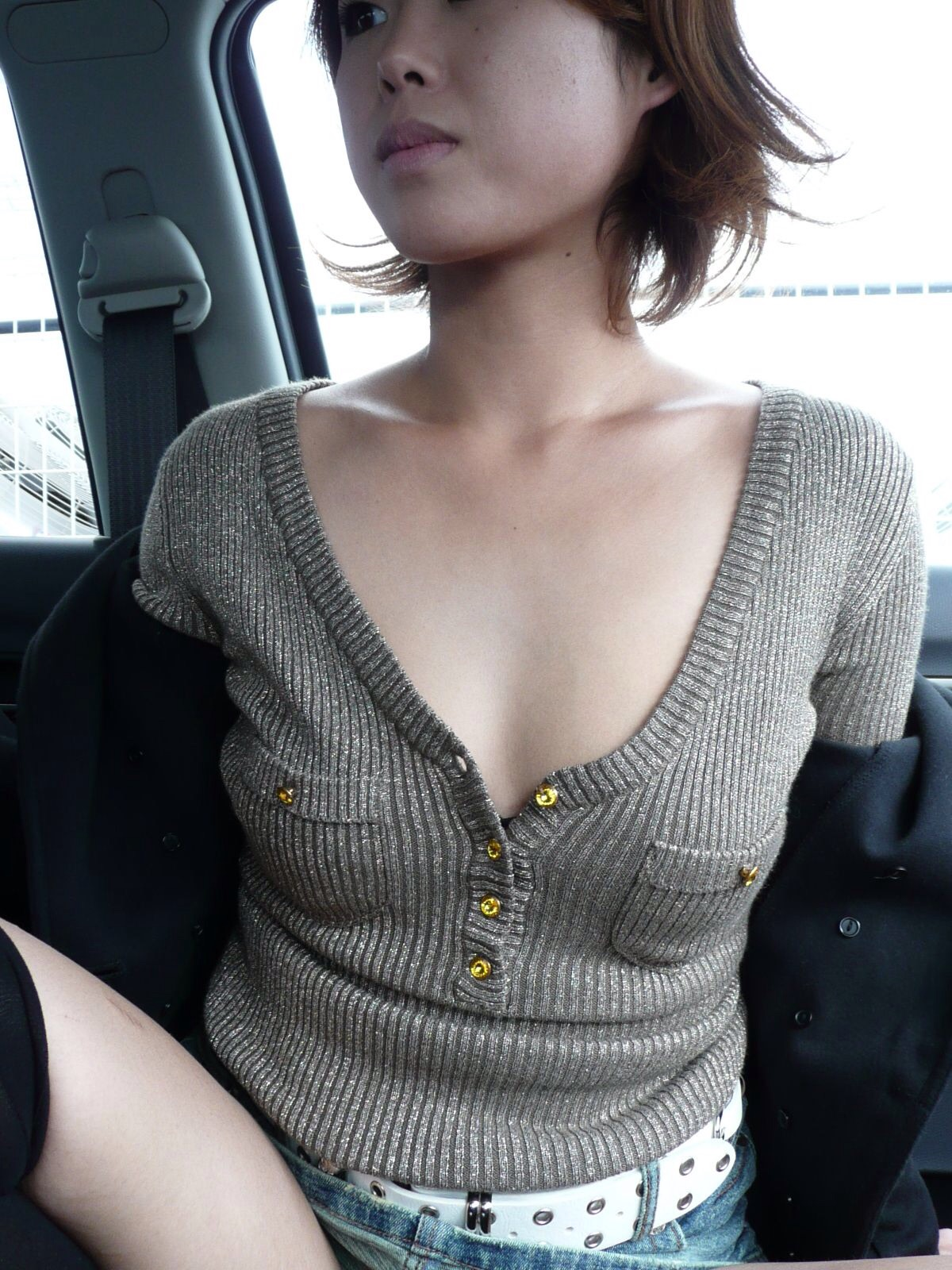 むっちり垂れ乳熟女の車内援交エロ写メ画像流出4枚目