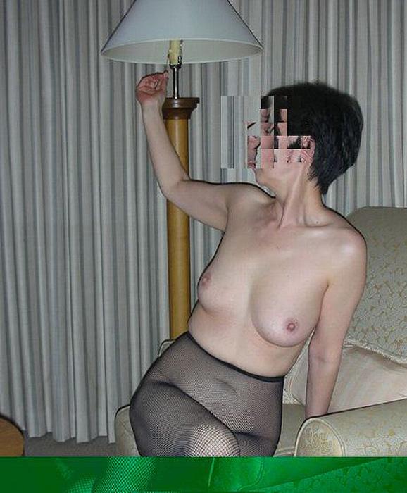 むっちり垂れ乳熟女の車内援交エロ写メ画像流出11枚目
