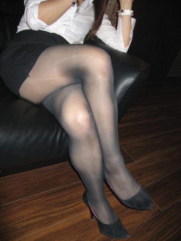 ムチムチ段腹デブ熟女着衣パンスト写メエロ画像12枚目