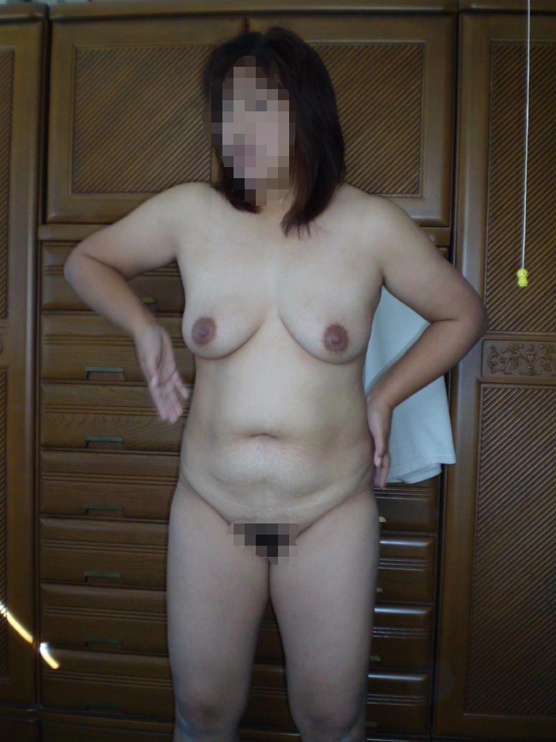 剛毛爆乳垂れ乳デブ熟女ラブホハメ撮り盗撮エロ画像10枚目
