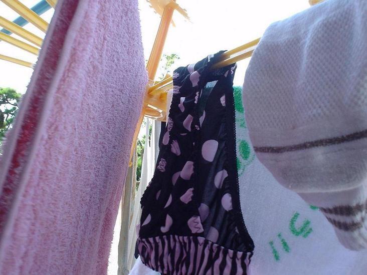 清楚処女女子大生のベランダの下着盗撮エロ画像9枚目