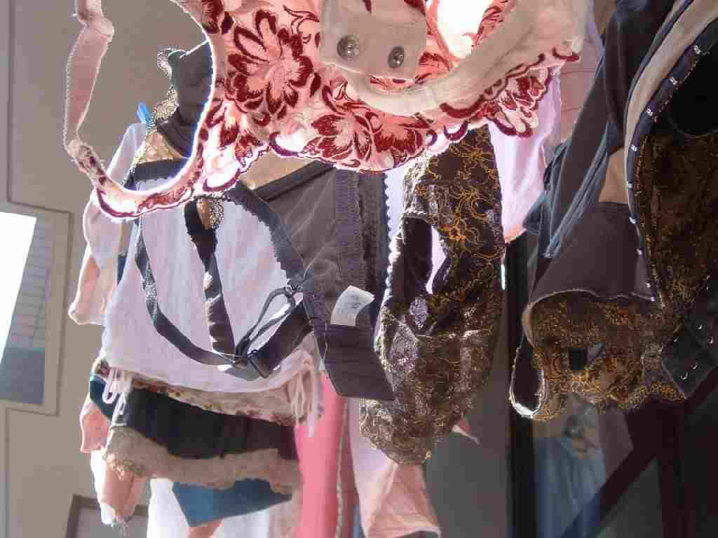 体育大学女子大生のベランダの下着盗撮エロ画像4枚目