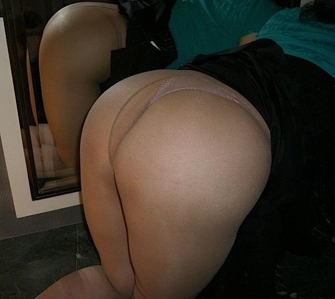 破かれた熟女パンスト巨尻ラブホハメ撮りエロ画像2枚目