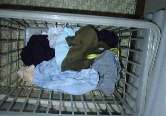 嫁のフルバックパンティ洗濯機の中下着盗撮エロ画像2枚目