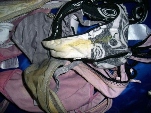 嫁のフルバックパンティ洗濯機の中下着盗撮エロ画像13枚目