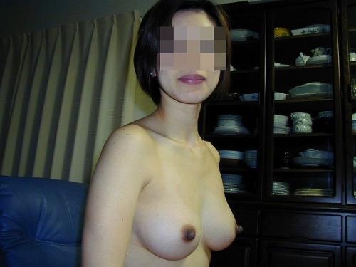 顔射されてアクメする爆乳熟女ラブホ不倫エロ画像15枚目