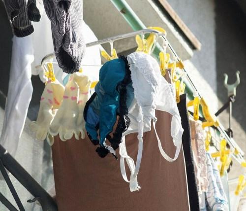 早熟jk妹の爆乳ブラジャーベランダの下着盗撮エロ画像15枚目
