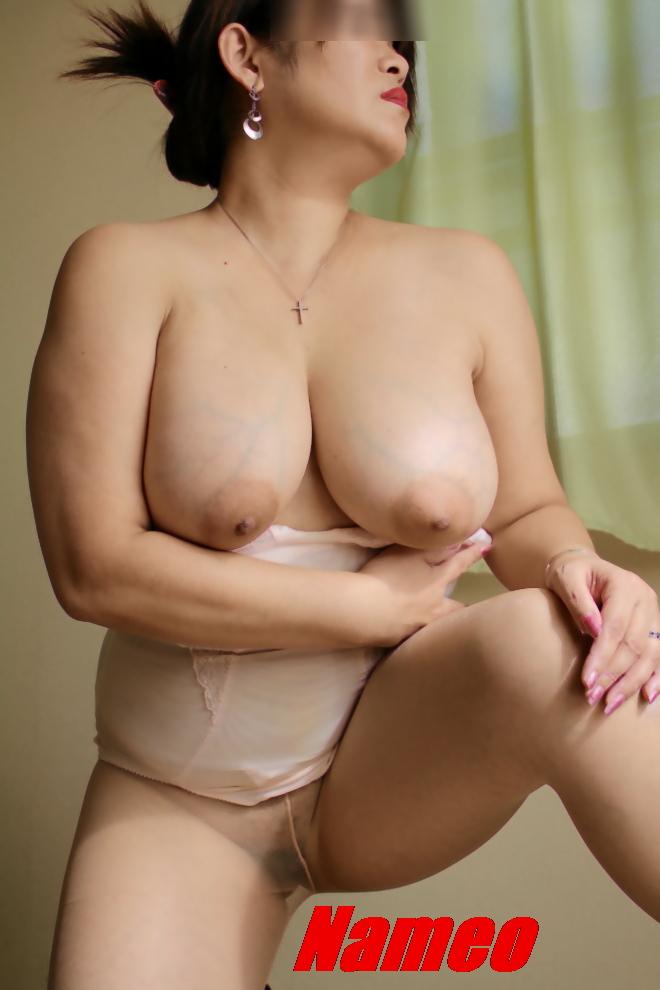 巨漢爆乳色白デブ熟女ボンテージ下着調教エロ画像10枚目