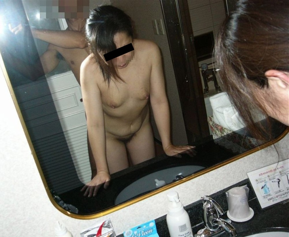 オフパコ貧乳垂れ乳熟女の緊縛拘束調教エロ画像5枚目
