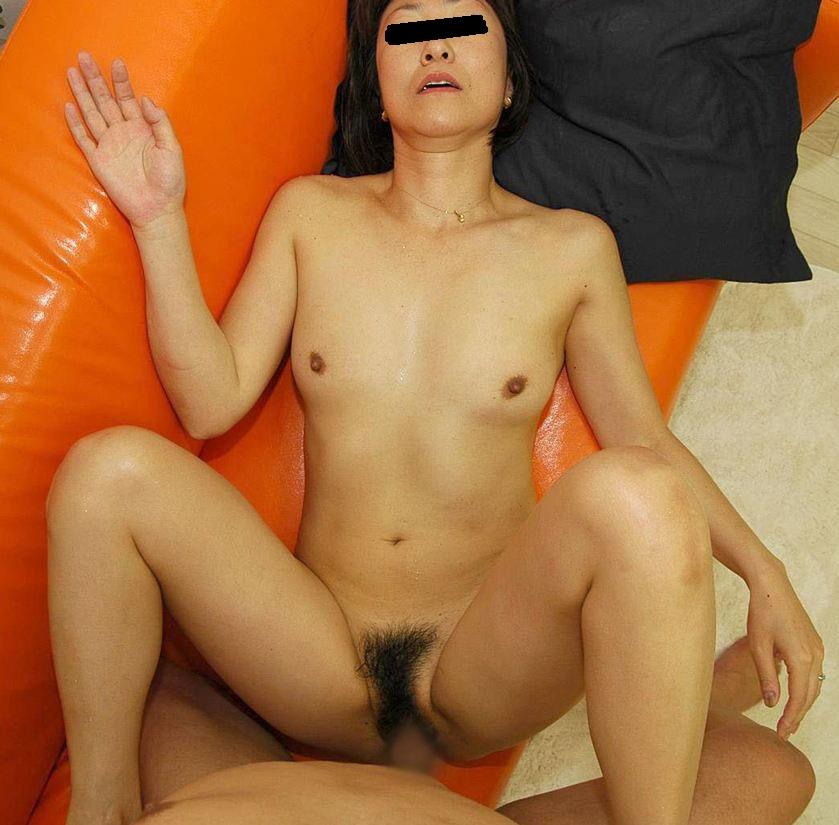 オフパコ貧乳垂れ乳熟女の緊縛拘束調教エロ画像10枚目