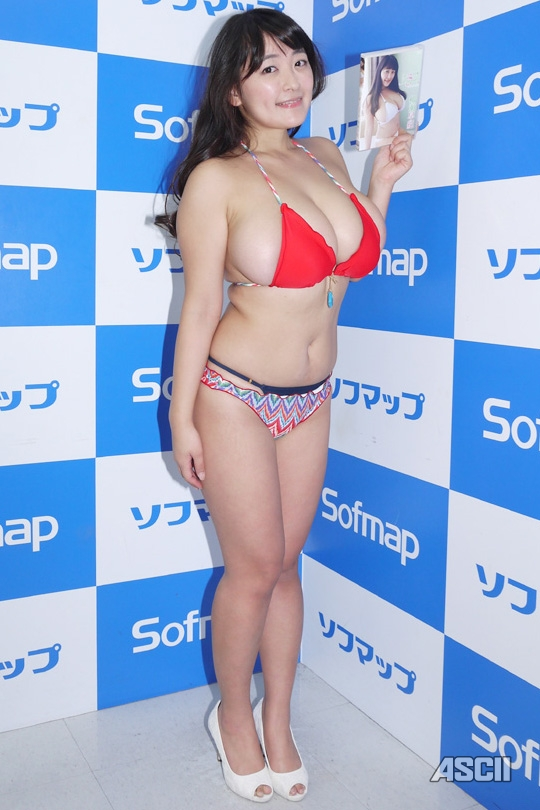 ソフマップのデブグラビアアイドル柳瀬早紀のエロ画像11枚目