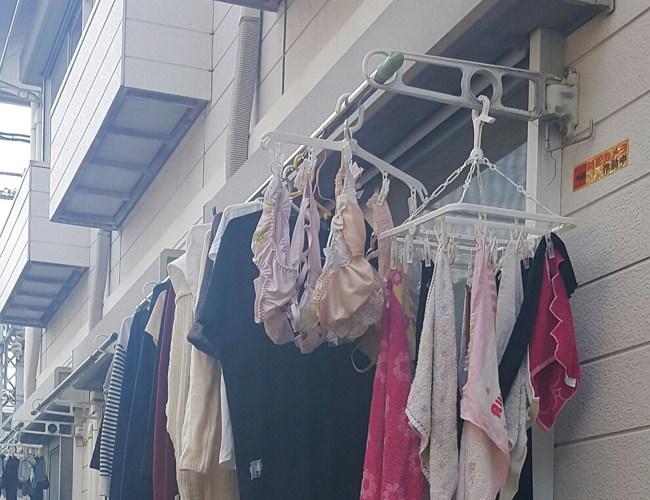 巨乳女子大生姉のベランダのサテン下着盗撮エロ画像15枚目