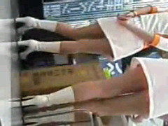セクシーランジェリー姿のパチンコ屋店員盗撮エロ画像15枚目