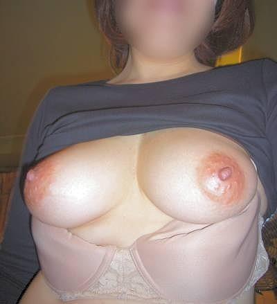 母乳が出そうな爆乳熟女の剛毛マン毛エロ画像流出14枚目