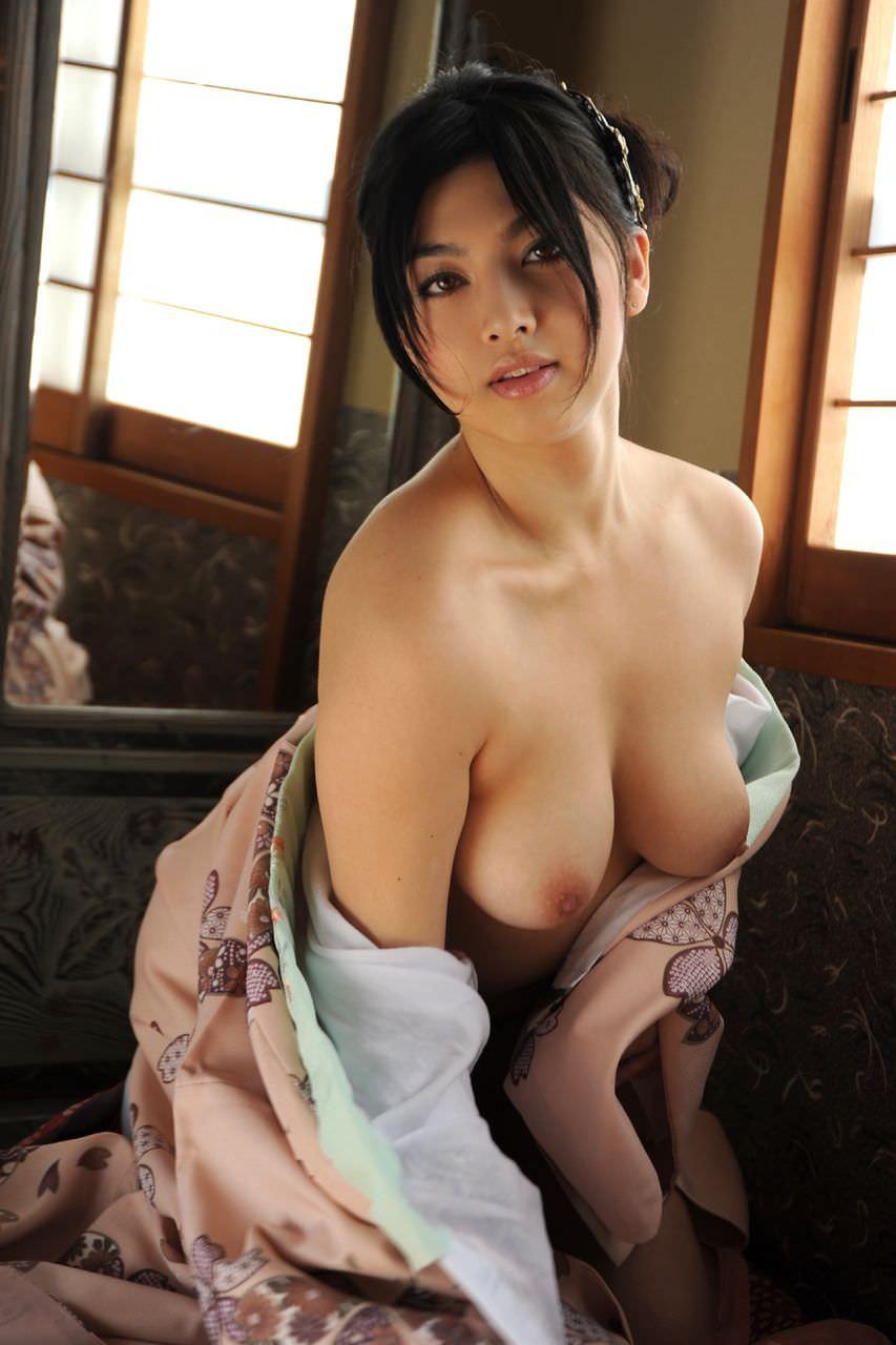 色白爆乳ロケット乳豊満熟女ラブホ売春エロ画像13枚目