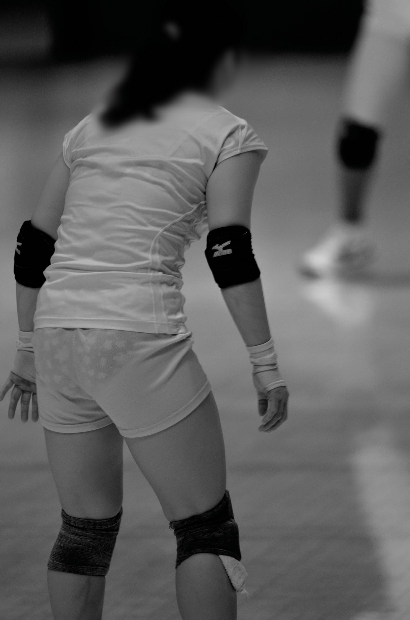 女子バレーボール赤外線下着丸見え盗撮エロ画像2枚目