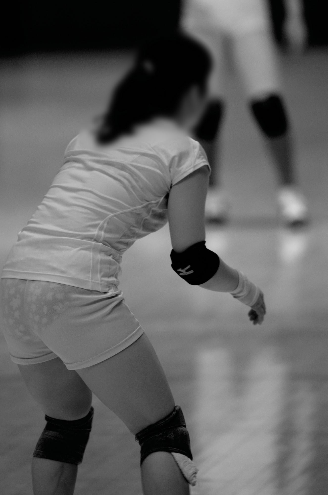 女子バレーボール赤外線下着丸見え盗撮エロ画像3枚目