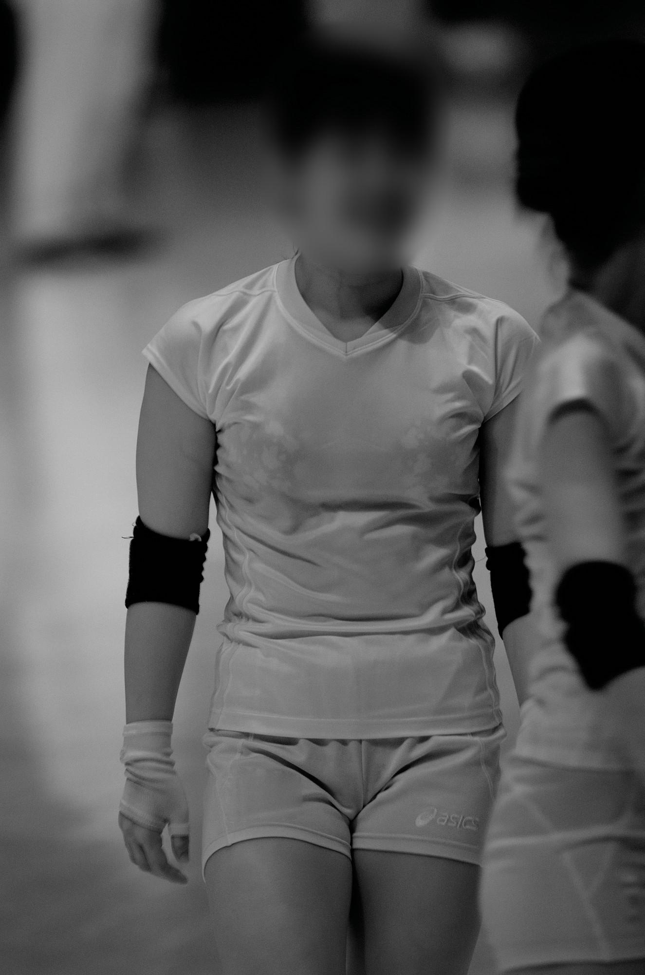 女子バレーボール赤外線下着丸見え盗撮エロ画像5枚目