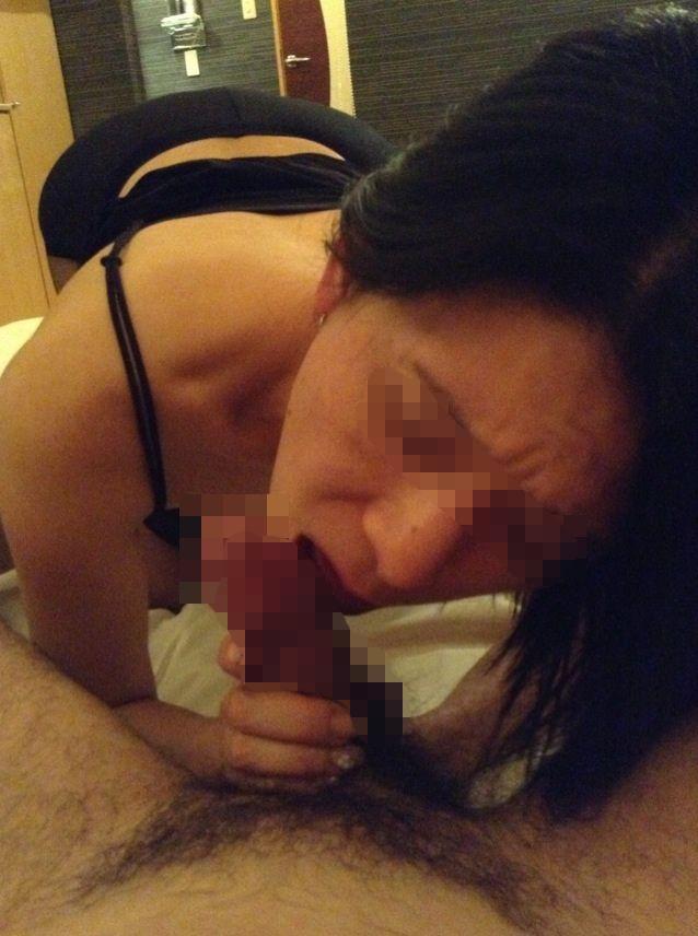 超熟女人妻のフェラオナ豆デカ乳首エロ画像流出7枚目