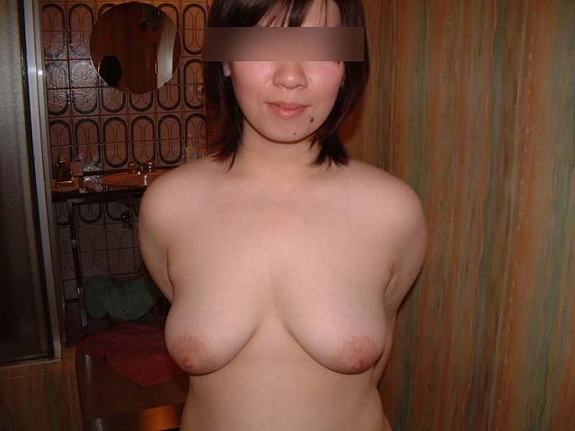 巨乳爆乳若妻や人妻熟女のラブホ不倫エロ画像1枚目