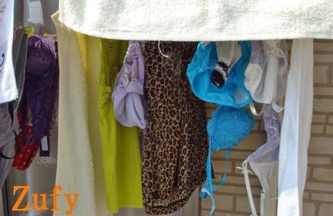 貧乳Bカップjk妹のベランダの下着盗撮エロ画像9枚目