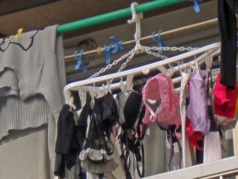 貧乳Bカップjk妹のベランダの下着盗撮エロ画像11枚目
