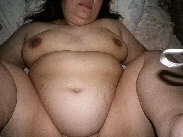 デブ熟女の巨漢肉割れ段腹ハメ撮り不倫エロ画像1枚目