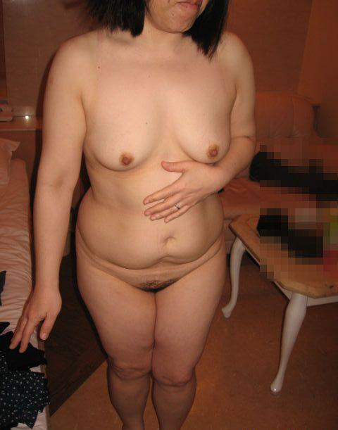 デブ熟女の巨漢肉割れ段腹ハメ撮り不倫エロ画像15枚目