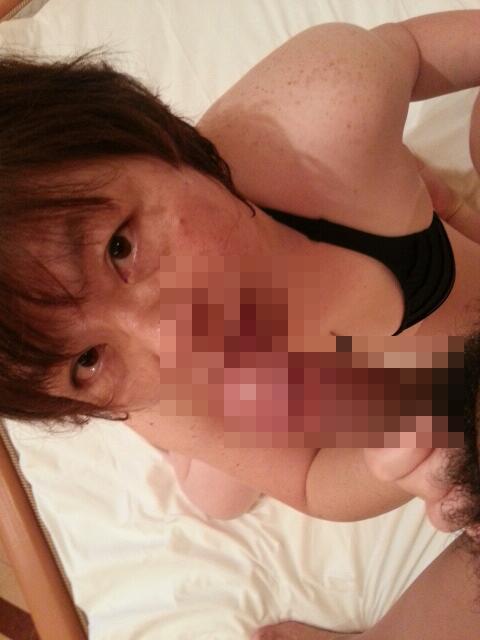 口内射精でザーメンを求める超熟女老婆フェラエロ画像8枚目