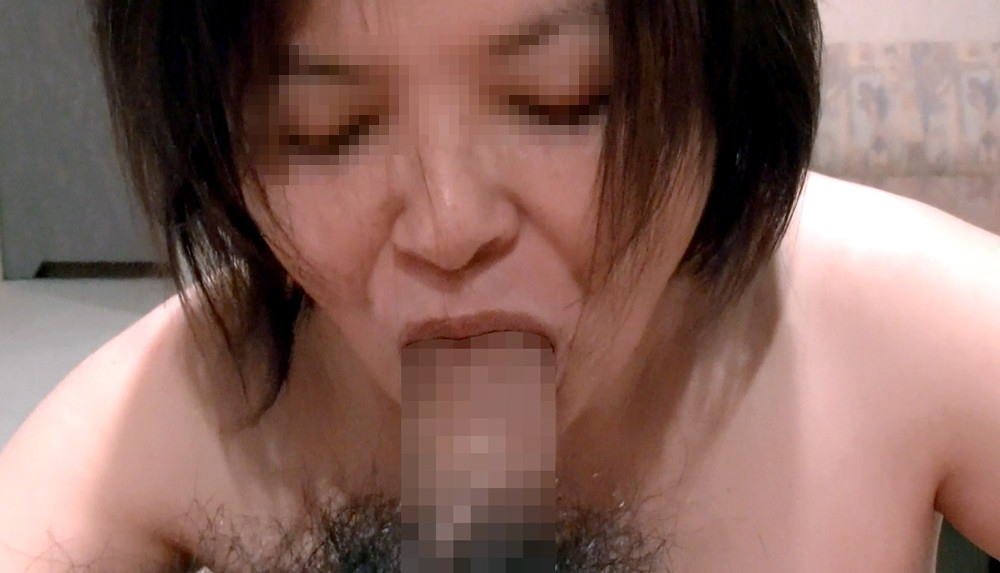 口内射精でザーメンを求める超熟女老婆フェラエロ画像9枚目