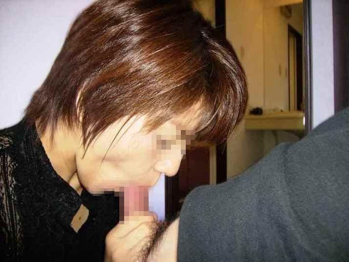 口内射精でザーメンを求める超熟女老婆フェラエロ画像16枚目
