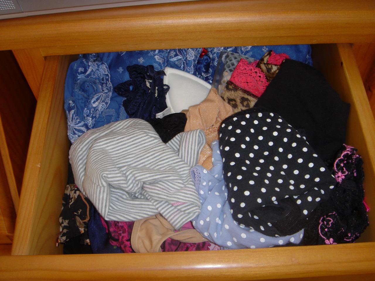 jc妹のタンスの中の下着盗撮ロリパンツエロ画像10枚目
