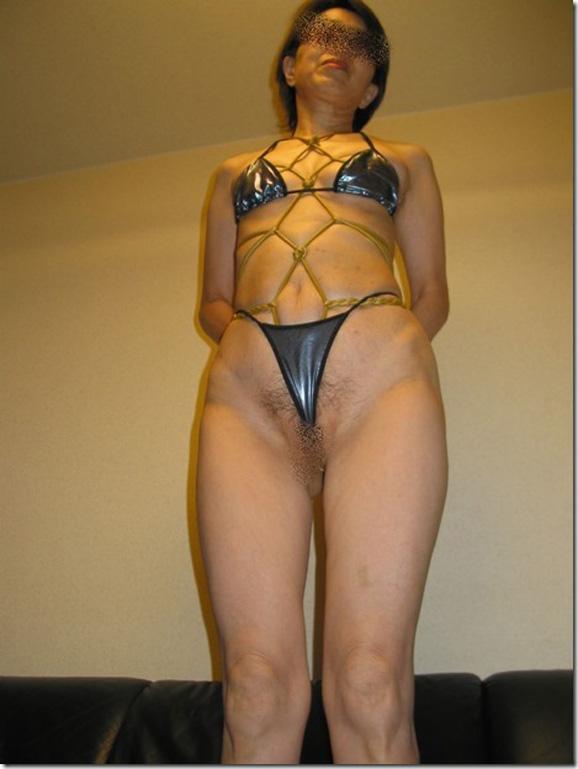 ラブホでデブ熟女が緊縛拘束調教ハメ撮り流出エロ画像11枚目