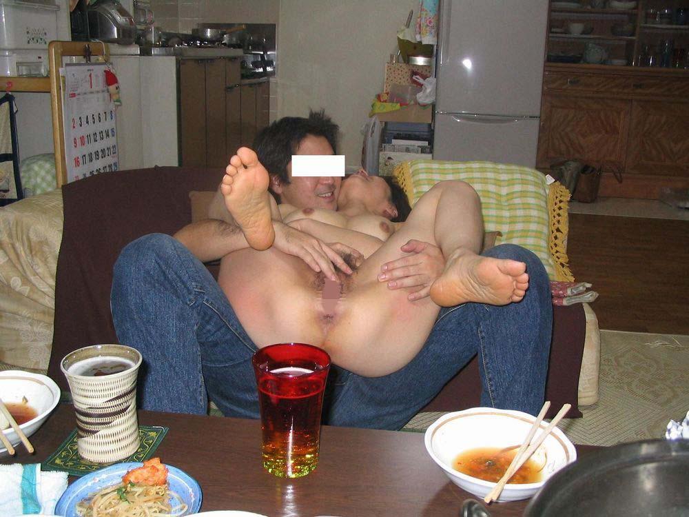 オフパコ会でスワップしまくる若妻夫婦のハメ撮りエロ画像12枚目