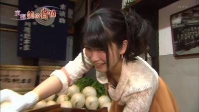 自撮り盗撮AKB胸チラ芸能人ハプニングエロ画像10枚目