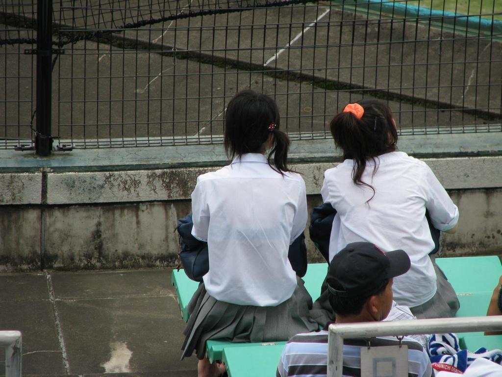 甲子園jkチアガール下着を逆さ盗撮するオマイラ画像9枚目