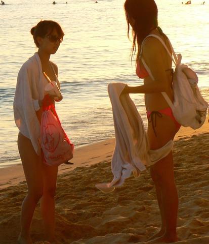 水着の日焼け跡がエロイjkおっぱい盗撮エロ画像6枚目