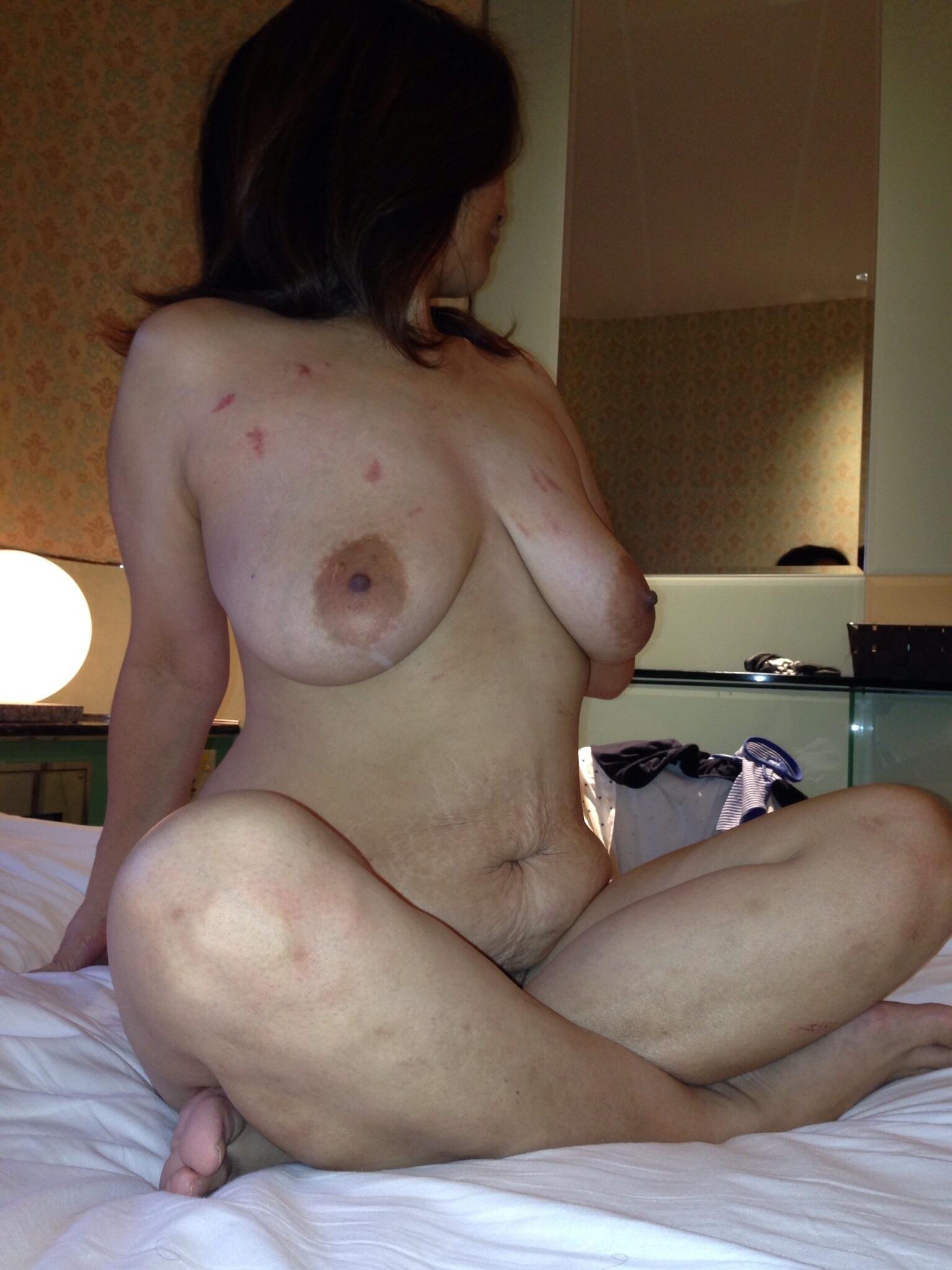 オフパコで不倫セックスを楽しむ淫乱若妻エロ画像2枚目