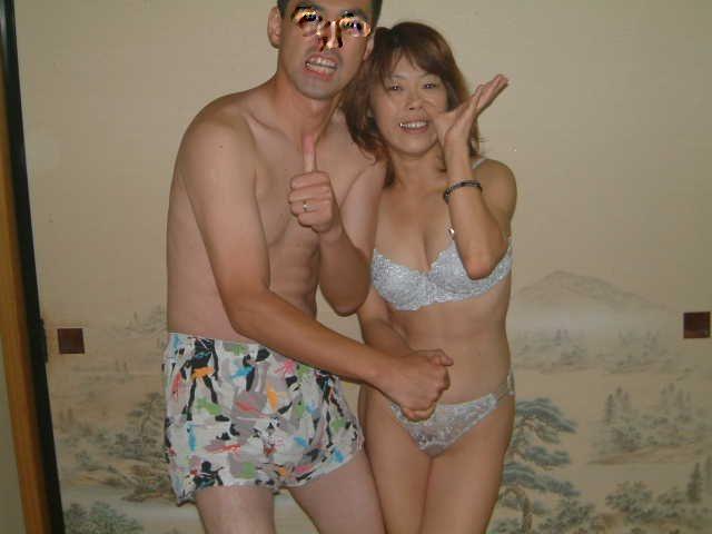 売春島で盗撮されたピンクコンパニオンの痴態本番エロ画像6枚目