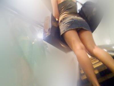 援交女子大生のミニスカ階段下パンチラ盗撮エロ画像12枚目