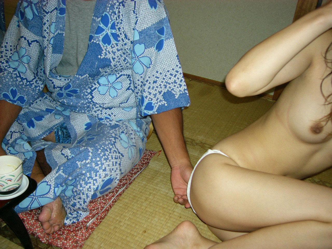 売春島ピンクコンパニオンの本番盗撮流出エロ画像11枚目